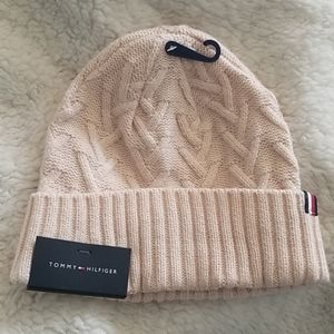 Tommy Hilfiger Back Bay Cable Cuff